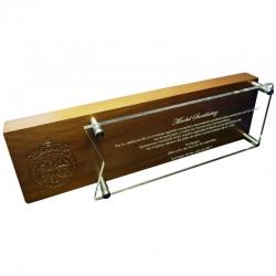 Galvano Grande Híbrido de acrílico transparente y madera, el cual incluye un enorme grabado láser.