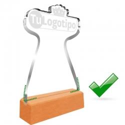 Galvano de Acrílico small con forma personalizada y base de madera. Pon aquí tu logo o la forma que quieras.