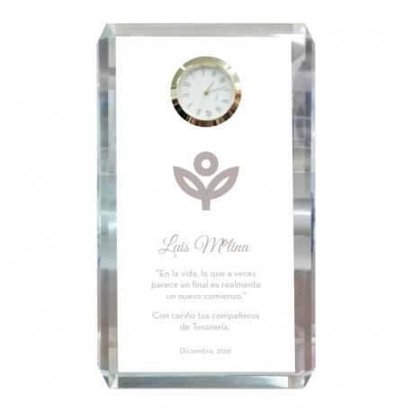 Bonito Galvano de cristal Reloj Bloque M (Mediano), Incluye grabado láser personalizable
