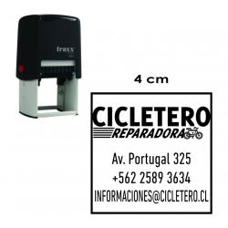 Timbre de goma automático Traxx 9024. Mide 4x4 cms. sello cuadrado para logos y textos, especial para empresas e instituciones.