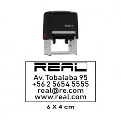 Timbre de goma automático Traxx 9027. Mide 6x4 cms. grande y rectangular, incluye textos, logos y hasta sellos ovalados.