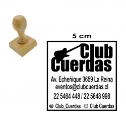 Timbre base de Madera 5x5 cms, cuadrado para hacer logos dibujos e textos y con elaboración express disponible.