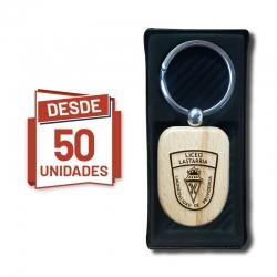 Llavero Escudo de madera, desde 50 Unidades - incluye grabado láser