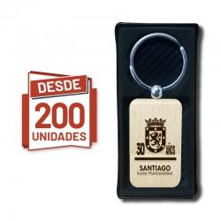 LLlavero Rectangular con grabado láser personalizado incluido, pack desde 200 unidades con caja de regalo. GRAVOX al por mayor.