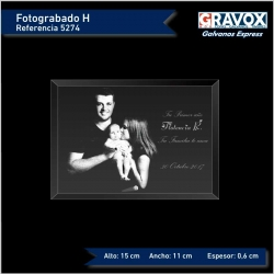 Foto grabada horizontal con texto opcional 15x11 cms es un regalo personalizado perfecto incluye caja de regalo