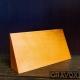 Galvano Cuña de Madera Horizontal con grabado láser y caja de presentación. mide 8,5x17x4,5 cms.