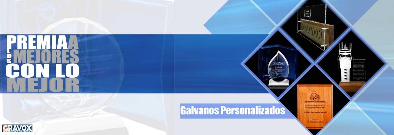 Galvano de Cristal, acrílico y madera. incluyen grabado y caja estándar.