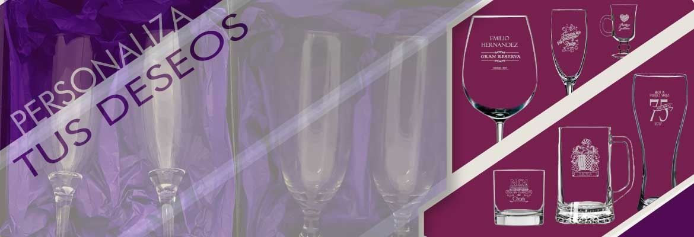 Copas de vino, copas flauta, vasos, todo lo que quieras con una marca especial.